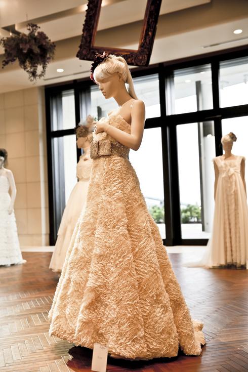 アンダーズ東京 人気 ウェディングドレス