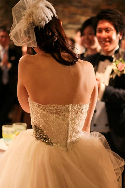 バックスタイルが美しい ウェディングドレス