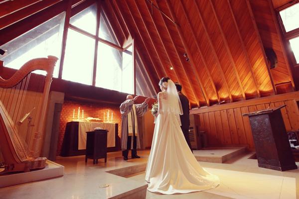 軽井沢高原教会 ウェディングドレス レンタル