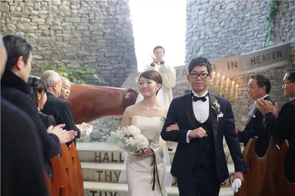 石の教会 人気 ウェディングドレス