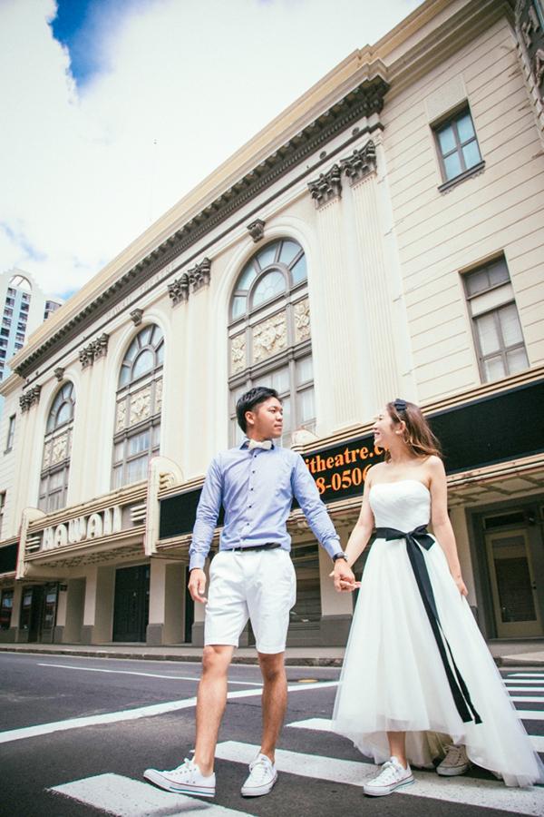 ハワイの雰囲気に合う ウェディングドレス