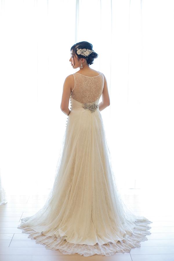 美しいバックデザイン ウェディングドレス